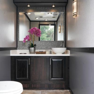 3 Station Luxury Restroom Rental